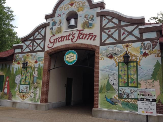 Grant's Farm is a popular free attraction in St. Louis County. Visitors can see a variety of animals, including the Budweiser Clydesdales. Grant's Farm also has nice beer garden, gift shop and more. Here's information on visiting Grant's Farm.