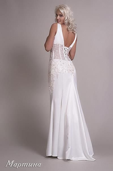 По интернету можно взять свадебное платье напрокат