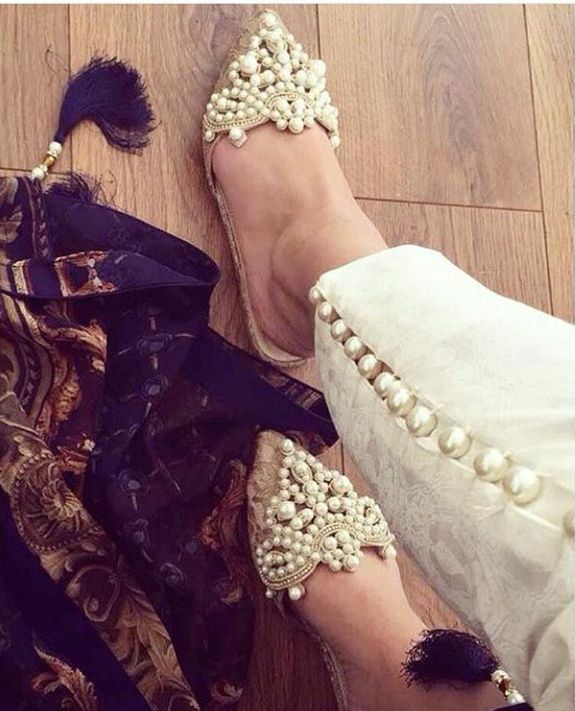 The angel in you will love the beautiful strands of pearls fixed to your footwear. Pearls are also a wedding season must-have and can boost the wow factor of just any fashion ensemble.