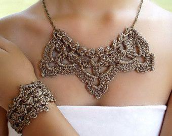 Collar crochet. Collar Victoriano. Collar boda. Pulsera crochet. Collar dorado.