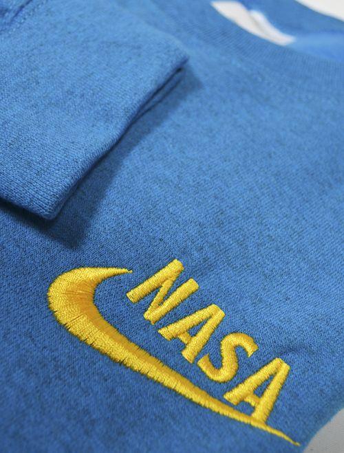Sudadera con bordado NASA logo NIKE. Encuentra las últimas tendencias en sudaderas y moda joven para hombre en nuestra tienda de ropa online.     http://latiendajoven.com/145-sudaderas-hombre #sudaderas #sudaderashombre #modajoven #ropa #ropaonline #tiendaderopa #nasa #nike #nasanike