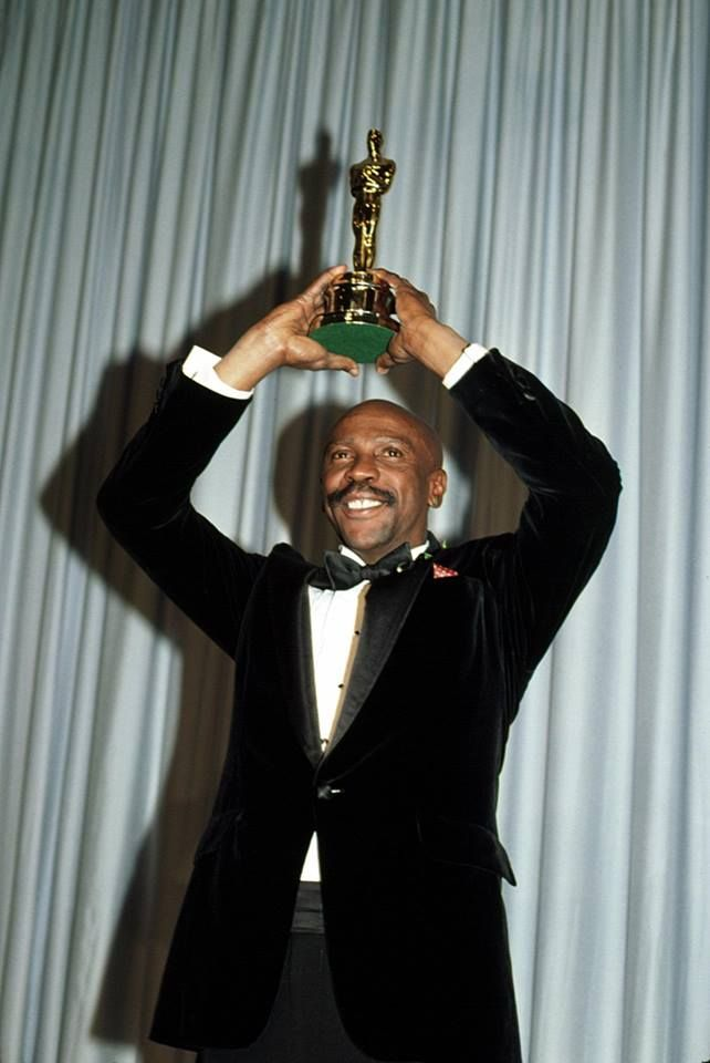 What are you favorite Oscar-winning movies of all time? Or ones that should have won, but didn't?  (Pictured: Louis Gossett Jr. winning for AN OFFICER AND A GENTLEMAN in 1983.) https://www.facebook.com/gettv/photos/a.275300759289128.1073741828.173964042756134/971080083044522/?type=3&theater