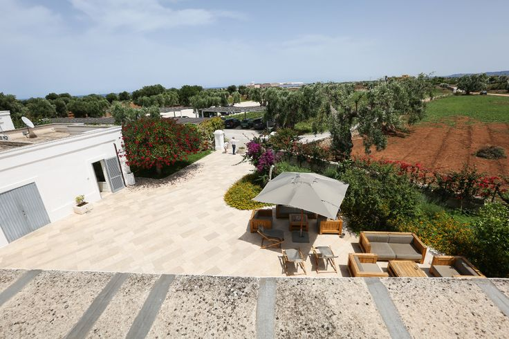 If you'd like a fabulous rustic wedding in the countryside in Puglia, with rooms on site for your guests and family, this masseria is the right place.