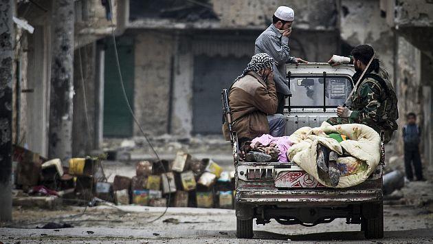 #ONU: Conflicto en Siria deja 5,000 muertos cada mes. Autoridades de las Naciones Unidas pidieron a la comunidad internacional considerar las operaciones transfronterizas a fin de hacer llegar la ayuda humanitaria. #Peru21