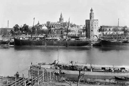 Río Guadalquivir, Torre del Oro y Catedral. Sevilla, 1906-1910. Colección Thomas / IEFC