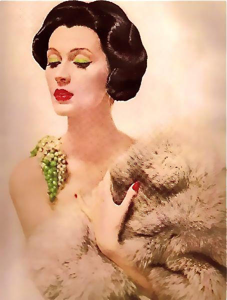 Dovima, photo by Richard Avedon, Harper's Bazaar Sept. 1955