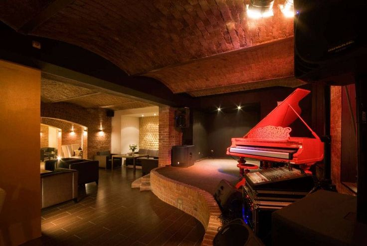 Someday, when I'm rich and have a huge house, I'm going to have a similar layout for the piano lounge portion of my house.