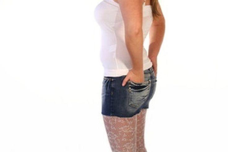 Cómo ocultar los rollos de grasa adicional a los costados de los tirantes del sujetador | Muy Fitness