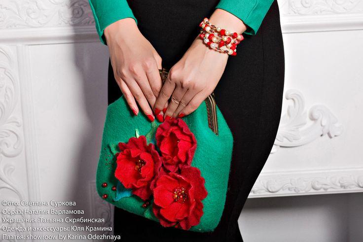 "Felted handbag ""red flowers"" green wool-Wool bag from YuliasFeltworld by DaWanda.com"