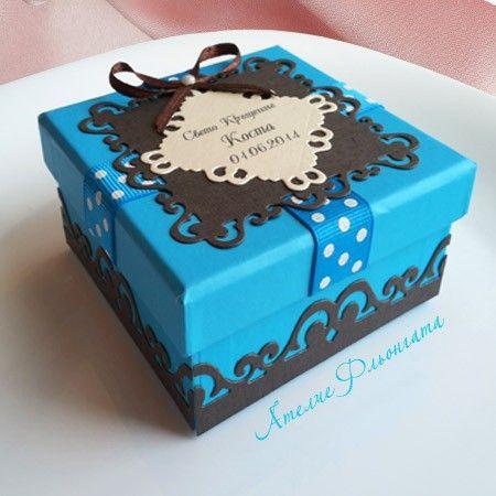 Дизайнерска кутийка за косичка за кръщене в цветове по избор.