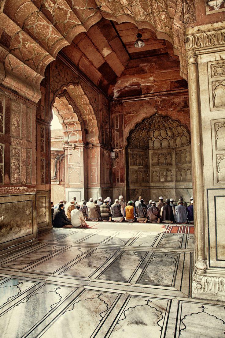 Friday Prayers, Jamaa Masjid, Old Delhi, India ... ✤ॐ ♥ ▾ ๑♡ஜ ℓv ஜ ᘡlvᘡ༺✿ ☾♡ ♥ ♫ La-la-la Bonne vie ♪ ❥•*`*•❥ ♥❀ ♢♦ ♡ ❊ ** Have a Nice Day! ** ❊ ღ‿ ❀♥ ~ Fr 27th Nov 2015 ... ~ ❤♡༻ ☆༺❀ .•` ✿⊱ ♡༻ ღ☀