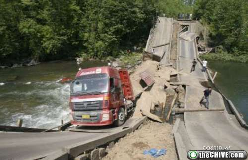 crazy car crashes 0 Car crashes that beg the question, how did they do that? (31 Photos)