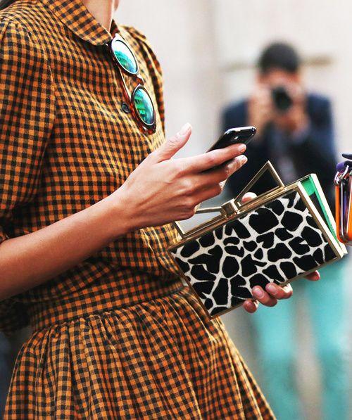 : Bookworm Fashion, Outfits, Giraffes Prints, Prints Clutches, Pattern, Nyc Fashionweek, Animal Prints, Gingham Dresses, Photo