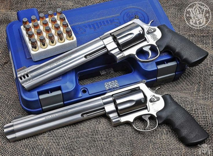Manufacturer: Smith & Wesson Mod: 500 S&W Magnum Caliber - Calibre: 500 Magnum Capacity - Capacidade: 5 Shot Barrel -Comp. Cano: 8 3/8 Weight - Peso: 2,050...