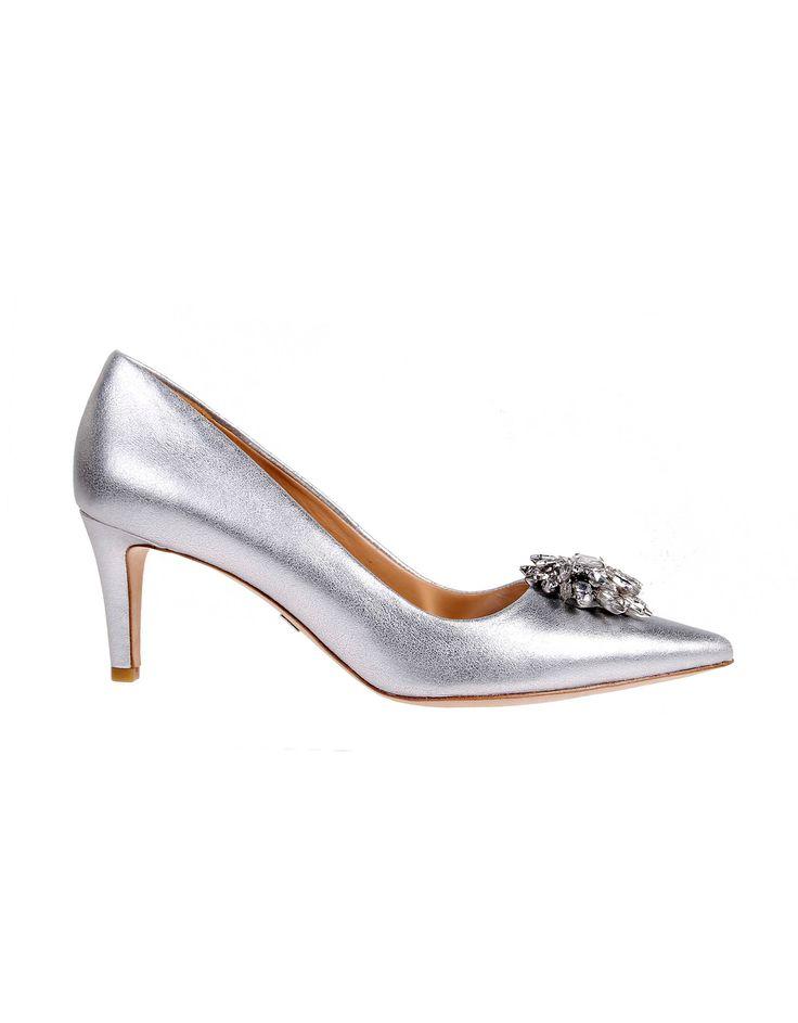 Wedding day inspiration from Kleinfeld Canada: Badgley Mischka shoes, Gardenia II Silver