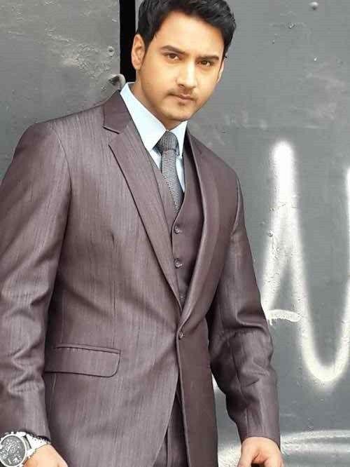 Yash Dasgupta Height, Weight, Biceps Size and Body Measurement