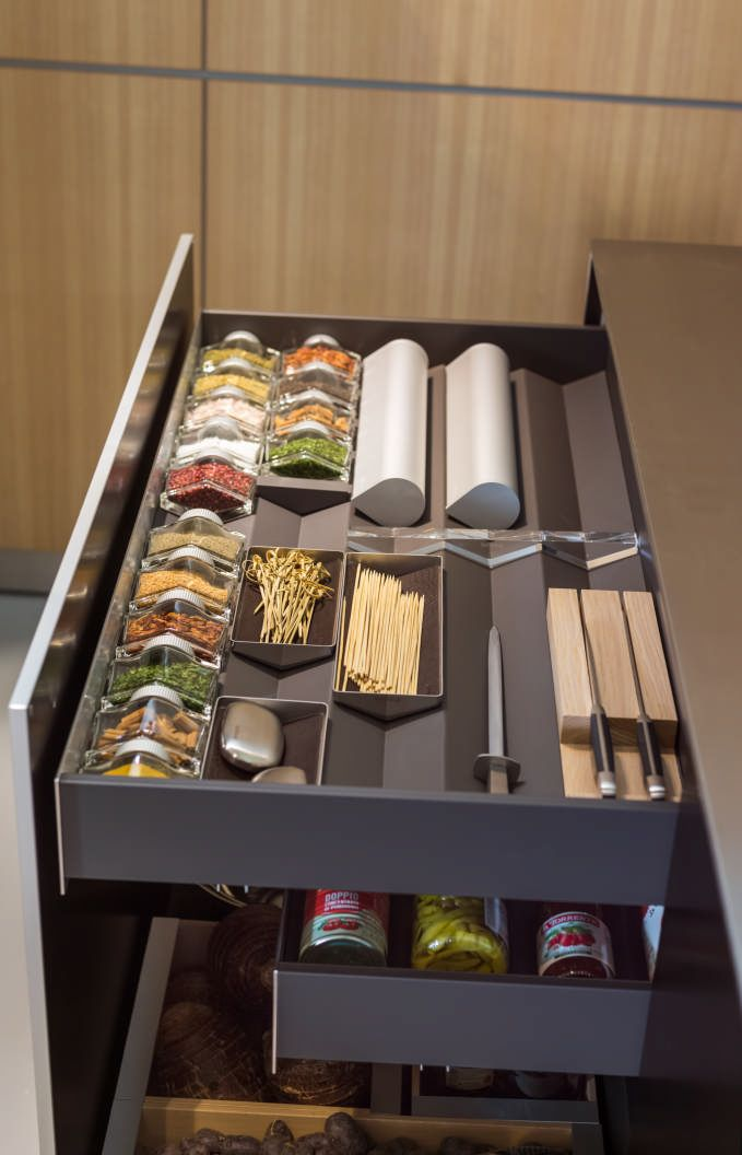 15 best ideas about spice drawer on pinterest kitchen cupboards kitchen spice storage and. Black Bedroom Furniture Sets. Home Design Ideas