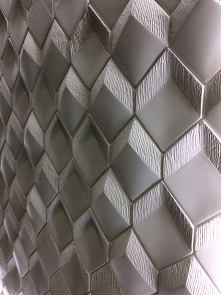 New RR Collection finally revealed at Surface design Show in London last week  by  www.Staffdecor.fr  A new 3D concept on 4 patterns giving endless solution shading flat to 3D low or high carved/convex wall tiles.... available in plaster and Engineered Marble for any application use and 2 alternative price levels.