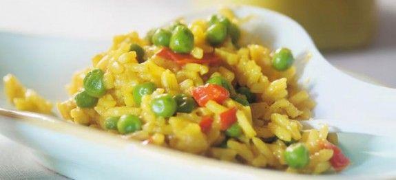 Cette recette de paella végétarienne vous fait de l'œil ? N'hésitez plus et lancez vous ! Vous allez l'aimer à coup sur en plus il ne vous faudra que 30 minutes entre la préparation et la cuisson, rapide et simple ! Ingrédients 350 gr de riz rond 2 cuillères à soupe d'huile d'olive 2 oignons …