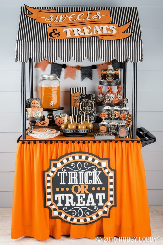 Halloween Treat Stand