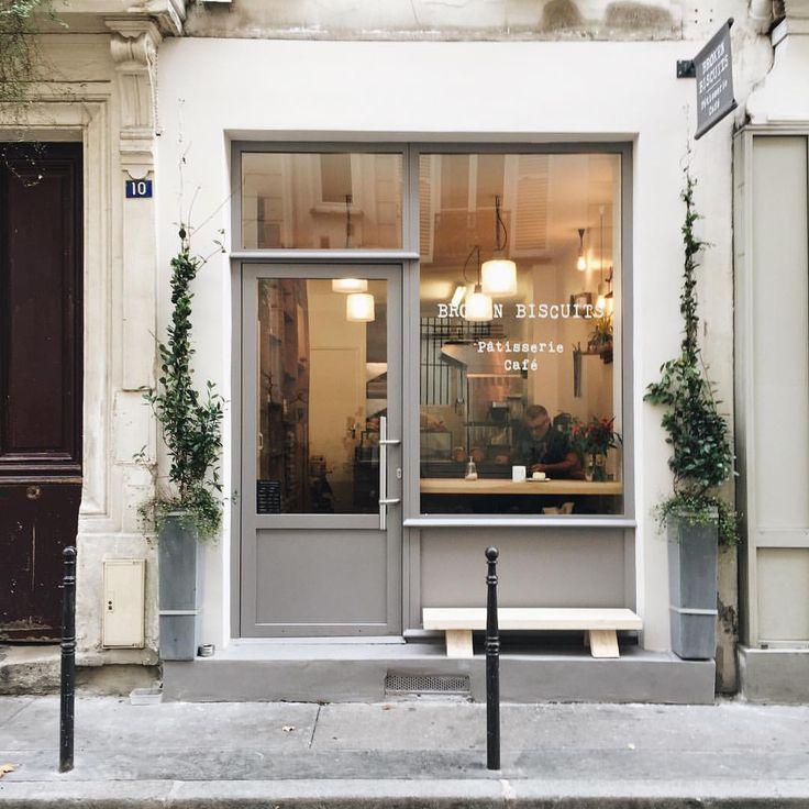 Arthur Gosse sur Instagram: Coffee break at @broken_biscuits_paris. #seemyparis