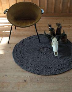 Modèle tapis rond tribal au crochet