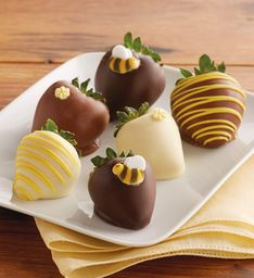 Bumble Bee Chocolate-Covered Strawberries – 6 berries