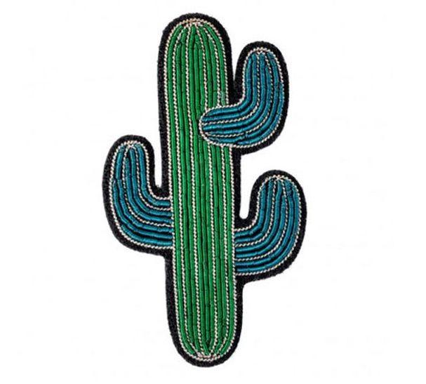 Une broche délicate Shopping : le cactus inspire la déco