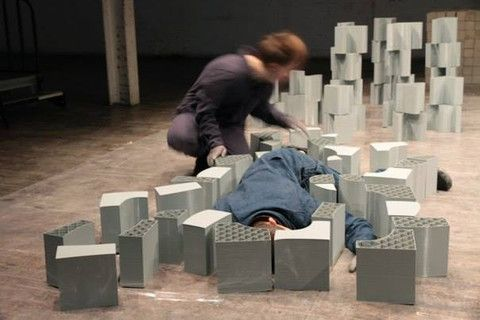 Choreographer James Batchelor Creates Dance with 75kg of 3D Printed Props http://3dprint.com/89284/3d-printed-dance/