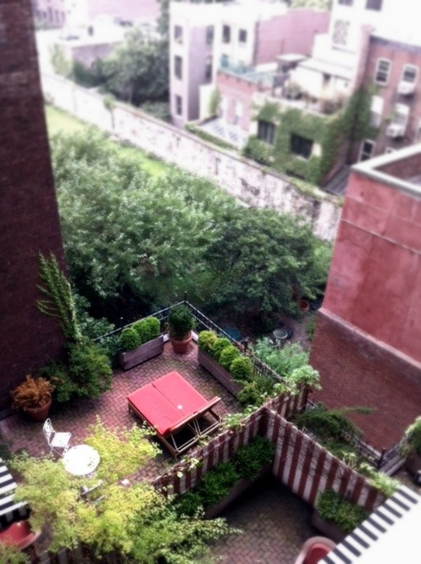 45 best Courtyard/Apartment Gardens for Terese images on Pinterest ...