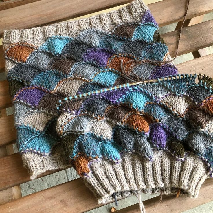 """Julia Farwell-Clay (@farwellclay) on Instagram: """"Understand that just because I am knitting a hat to match the cowl does not mean that I am planning…"""""""