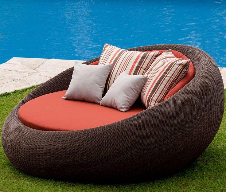 Pequeno sof feito com pneu mobili rio com pneus - Sofas rinconeras pequenos ...