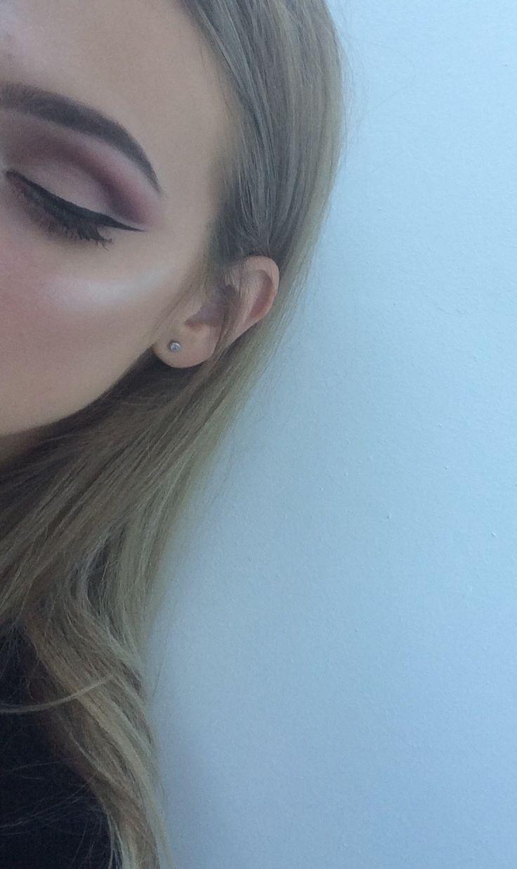 Cutcrese makeup instagram maram.alexandra eyeliner eyeshadow highlither Muresan Mara