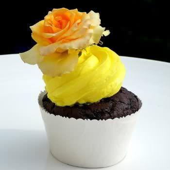 Receita de Marshmallow Profissional para Cupcakes. Veja aqui como fazer marshmallow para enfeitar e deixar seu cupcake ainda mais gostoso.