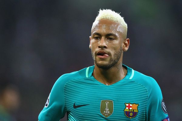 Neymar of Barcelona looks on during the UEFA Champions League group C match between VfL Borussia Moenchengladbach and FC Barcelona at Borussia-Park on September 28, 2016 in Moenchengladbach, North Rhine-Westphalia.