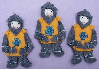DIY knight felt finger puppets