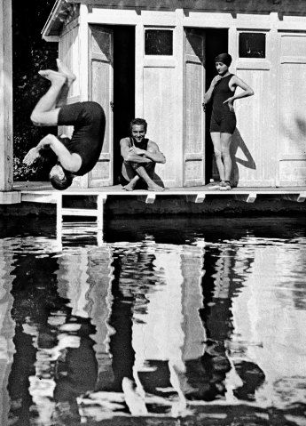 Famed french photographer jacques henri lartigue captures the spirit of early 20th century athletics in vintage photographyblack white
