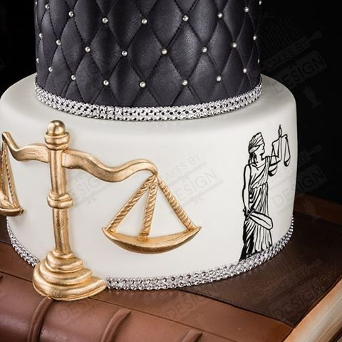 #law #lawyer #lawyercake #lawbalance #ediblebalance #lawbooks #gavel #ediblegavel