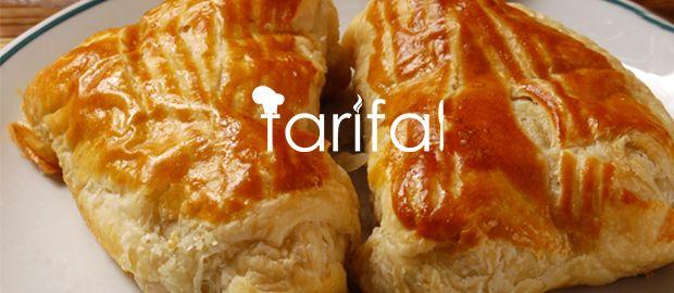 Peynirli Börek http://www.tarifal.net/peynirli-borek-tarifi.html