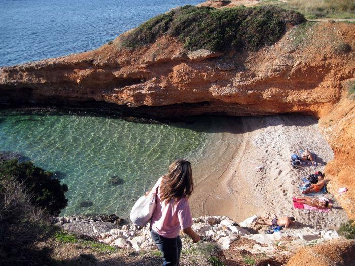 Lots of hidden cove beaches in #Varkiza #AthensCoast #Greece