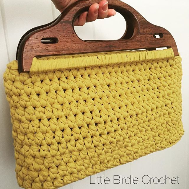 Saturday morning off and running! Finished this little bag using a pair of re purposed wooden handles given to me by @littlebirdiesmum  and I think they match beautifully. Available at @gillesstmarket Sun 5th March  . . . #littlebirdiecrochet #crochet #crochetersofinstagram #tshirtyarn #crochetbag #craftastherapy #carterandbrowncrush #handmadeinsouthaustralia #madeinadelaide #southaustralia #aushandmade #celebratinghandmade #crochetaddict #repurposed #upcycled