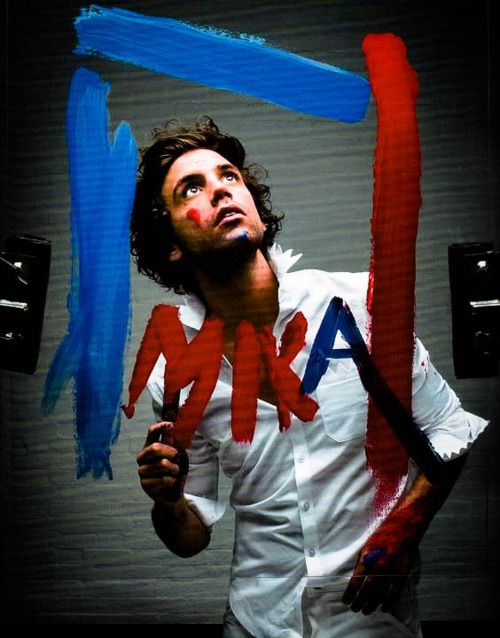 MIKA is a true artist - paint 2009 Observer Music Monthly photoshoot