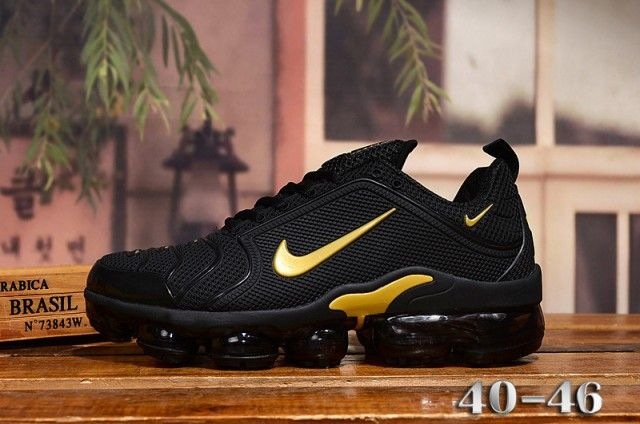 Nike Air Vapormax Plus Black Gold Men S Running Shoes Nike St006132 Schuhe