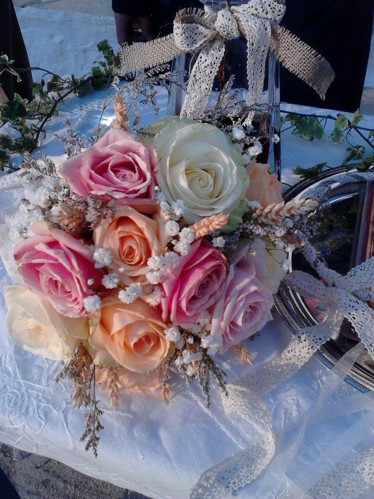 Vintage ανθοδέσμη με τριαντάφυλλα