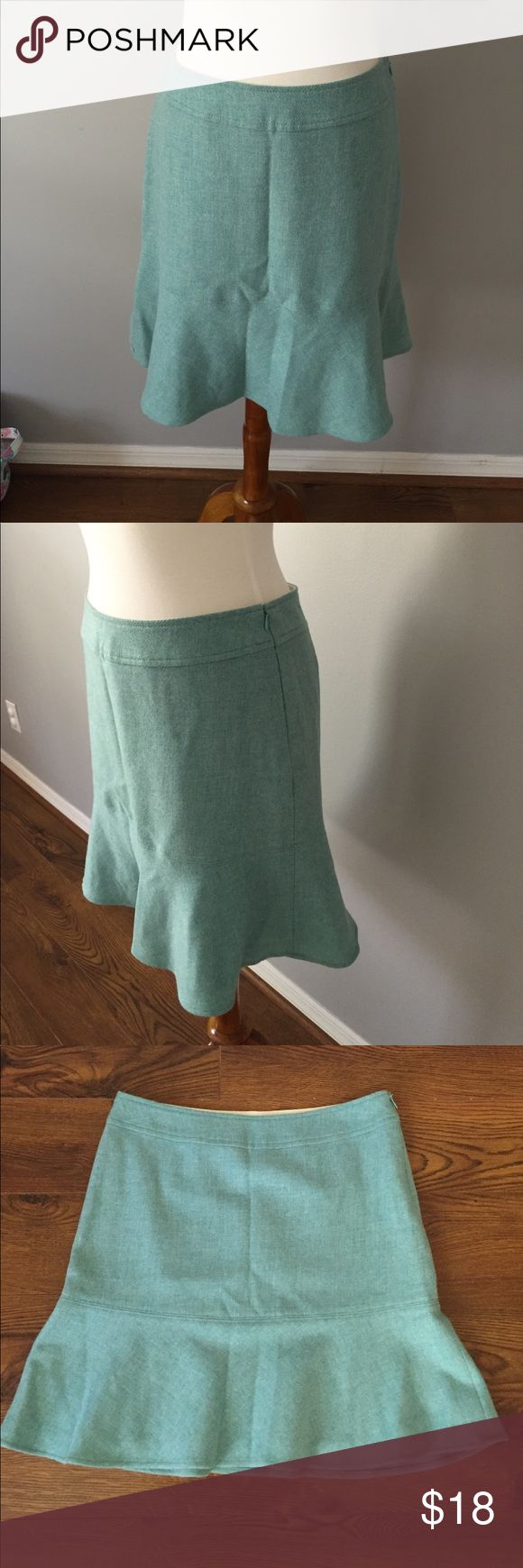 Gap wool skirt Sweet and sexy wool skirt perfect for fall and winter!  Great worn with heels or boots, for work or play.  Hits just above knee and is fully lined.  Dry clean only.  NOTE: side zipper works perfectly but hook closure at the top is missing. GAP Skirts Mini
