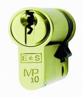 Cylinder Locks are easy to fit and replace, however you do need to have the right size for your door. Here we show you how to measure the size of the Cylinder for your door