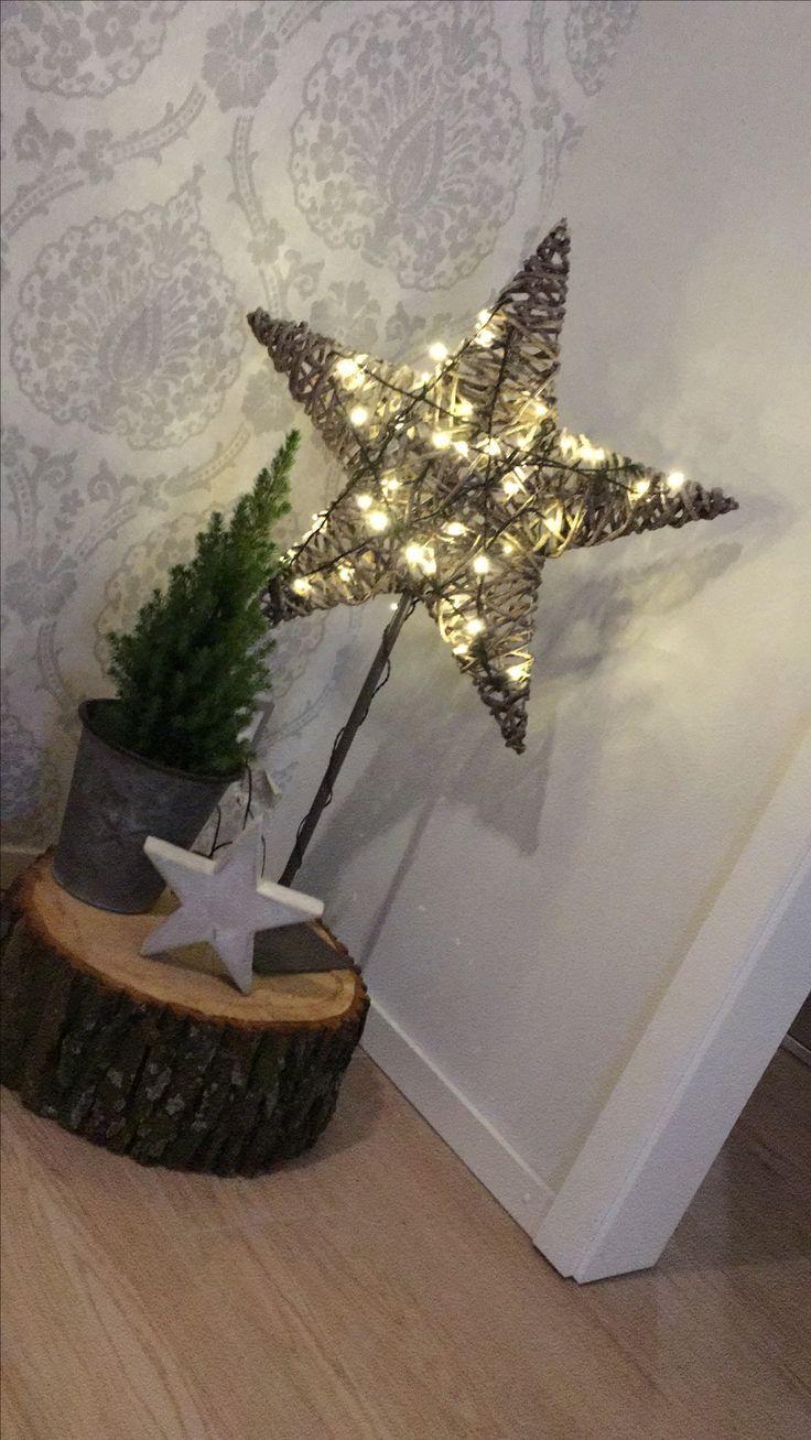 Weihnachten Dekoration – Holzstamm Stern beleuchtet #weihnachtsdekoration #stern…