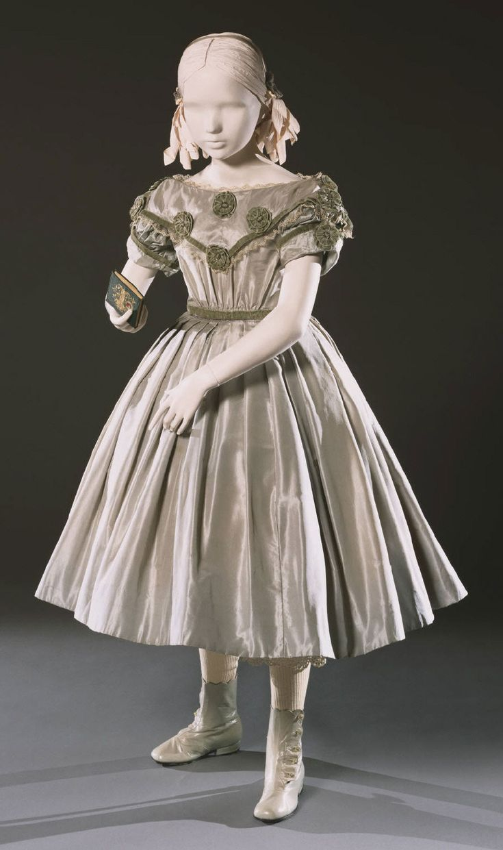 Child's dress circa 1860. Philadelphia Museum of Art