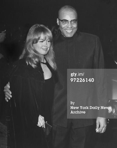 News Photo : Actor James Earl Jones with his wife Julienne...