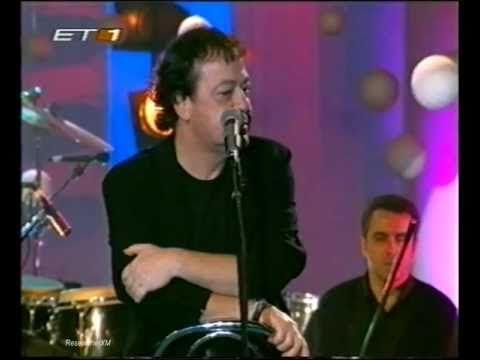 ▶ Dalaras & Parios - S' agapo giati eisai oraia (live) - YouTube